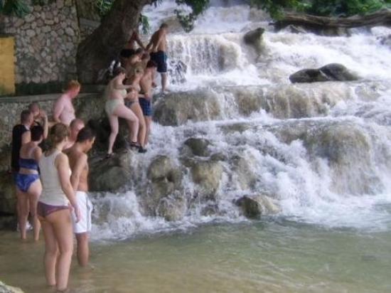 ออคโคริออส, จาไมก้า: beklimming Dunn's river waterfalls