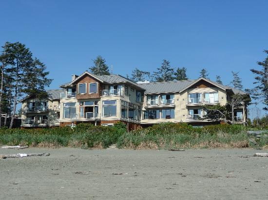 Long Beach Lodge Resort: right on the beach