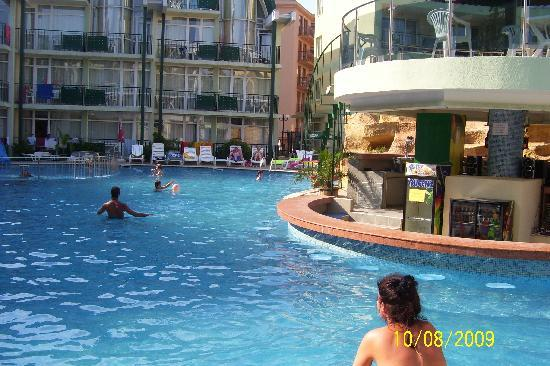 Sunny Day Hotel and Apartments: sunny day hotel