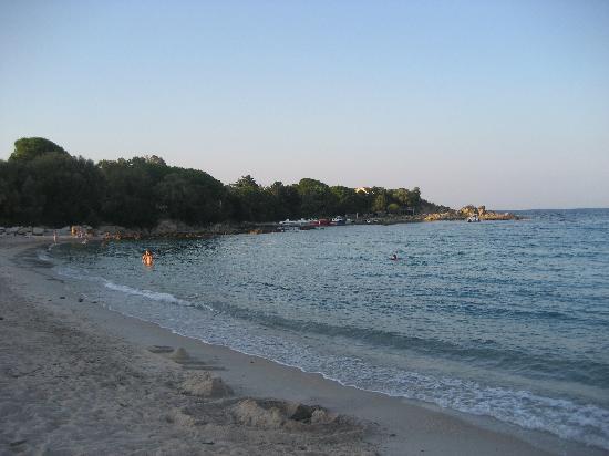 Hotel U Dragulinu: plage de l'hôtel