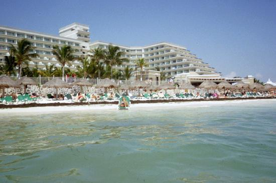 Hotel Riu Caribe: view from the water