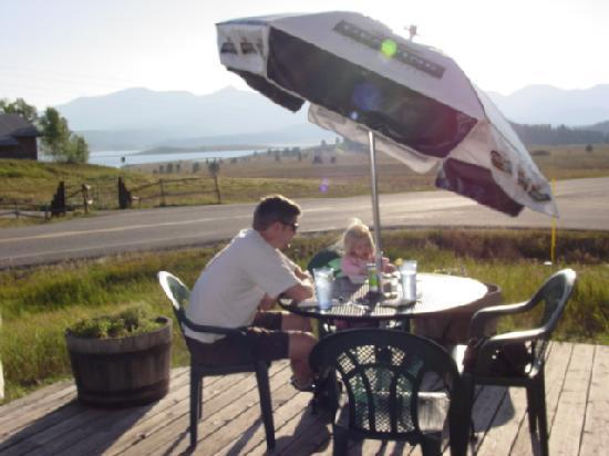 Hahns Peak Cafe: Outdoor seating