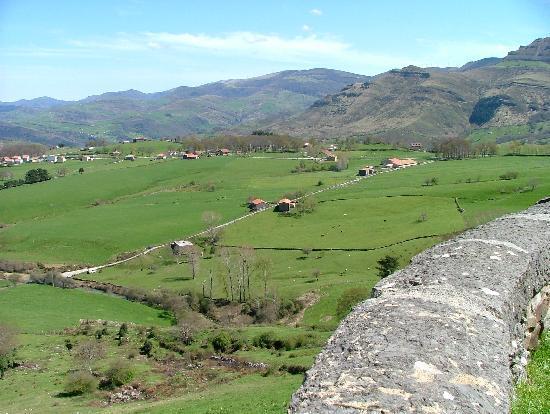 Centro de Interpretación PN Collados del Asón y Montaña Oriental: High pasture