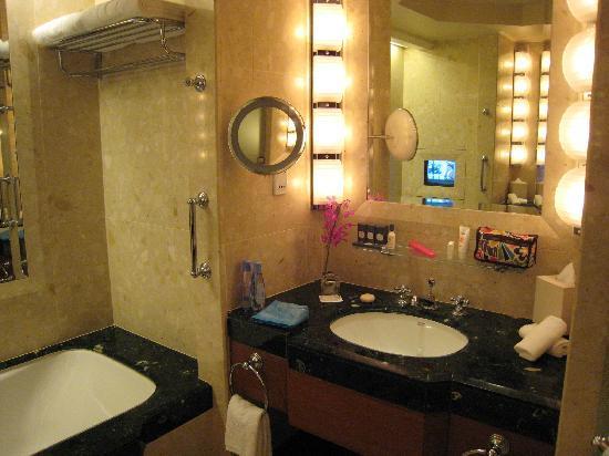 โรงแรมเพนนินซูลา กรุงเทพฯ: 洗面
