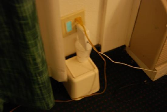 Knights Inn Fayetteville : This is the only way I could get my electrical cord to stay in the outlet