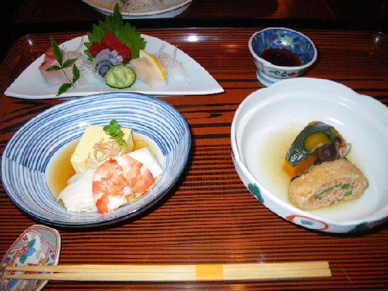 Bansuitei Ikoiso : 夕食 更に牛タンがこれからくる