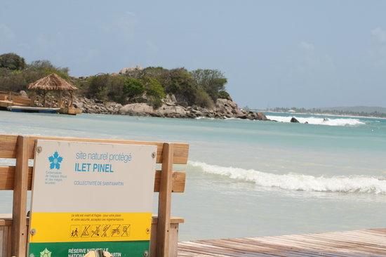 Belair Beach Hotel: Pinel Island Beach