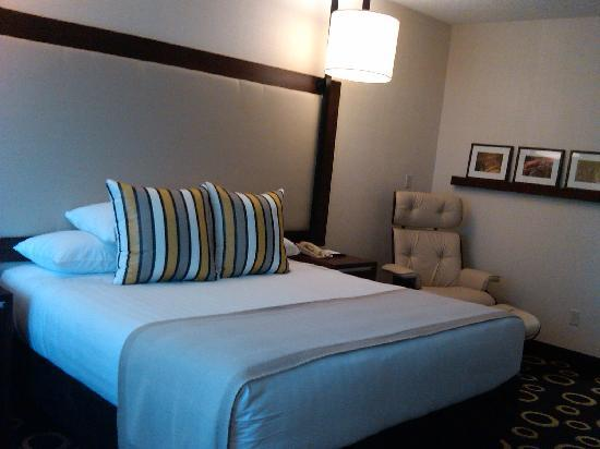 Hyatt Morristown: Comfortable Room