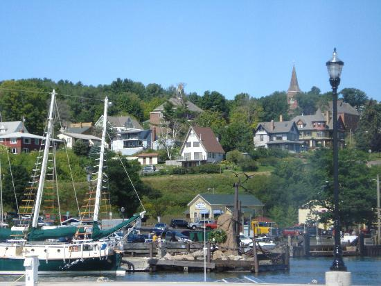 The Bayfield Inn: View of Bayfield from pier