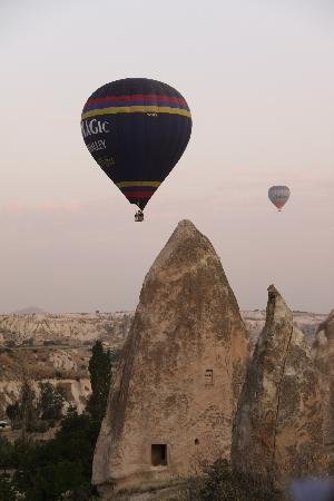 Katpatuka Cave Hotel: sorvolo della Cappadocia in mongolfiera