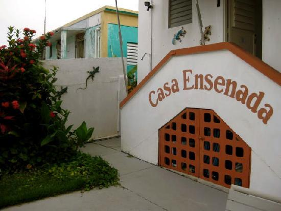 Casa Ensenada Waterfront Guesthouse: in front of the peer