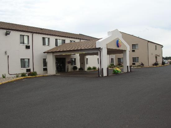 Comfort Inn Dickinson I-94: Exterior
