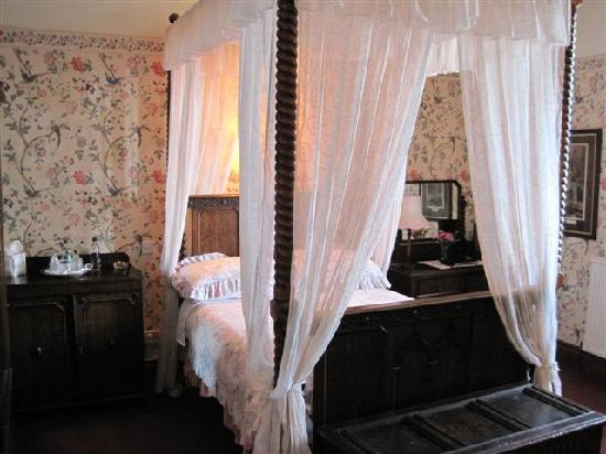 The Lighthouse : Lighthouse Principal keeper's suite