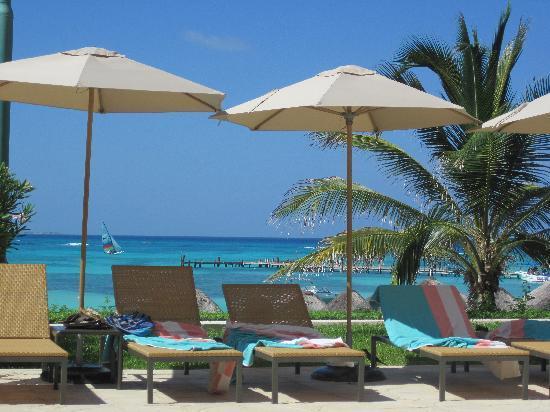 Grand Fiesta Americana Coral Beach Cancun: プールサイド