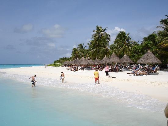 Where is sun island beach