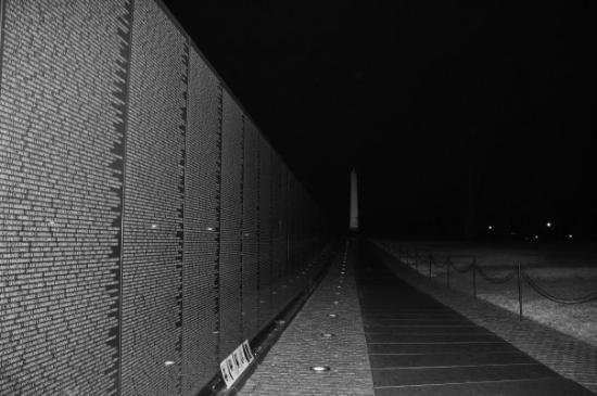 อนสรณ์ทหารผ่านศึกเวียดนาม: veterans wall