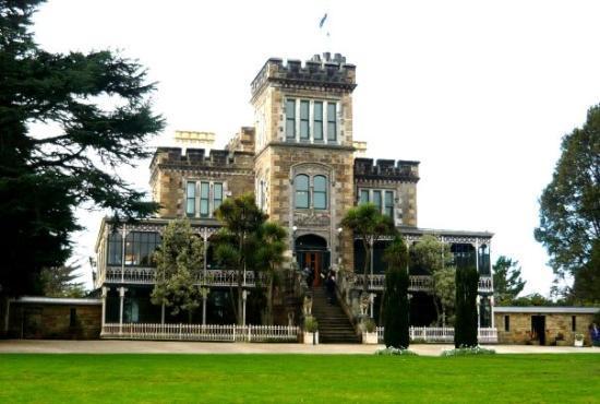 ดะนีดิน, นิวซีแลนด์: Larnsach Castle