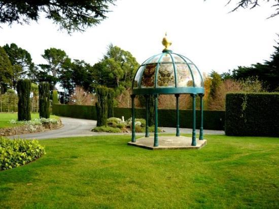 Larnach Castle & Gardens : In the gardens