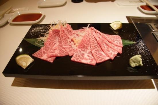 ทากายามะ, ญี่ปุ่น: Day4_ Shirakawa, Hida-Furukawa, Takayama  Oishii~!!! 牛的不同部份,不同吃法,不同口感,新鮮,嫩滑, 好吃~!!!