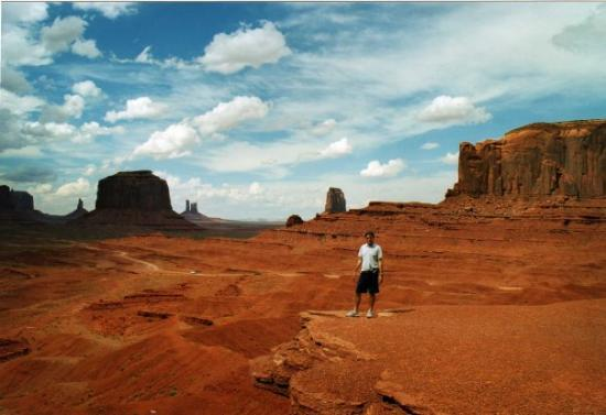 monument valley picture of monument valley utah. Black Bedroom Furniture Sets. Home Design Ideas