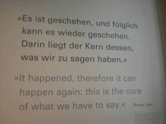 อนุสรณ์สถานฮอโลคอสต์: Holocaust Museum under the Memorial