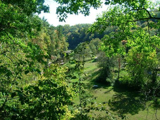 Apple River Canyon State Park: View from over look point
