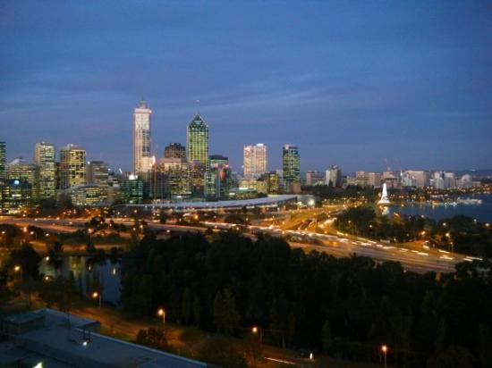 เพิร์ท, ออสเตรเลีย: perth dusk