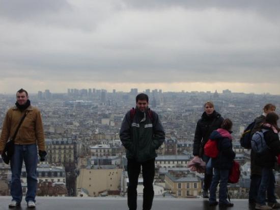 ซาเคร็ดฮาร์ทบาซิลิกาแฟมอนมารทร์: Al pie de la cornisa, Paris.