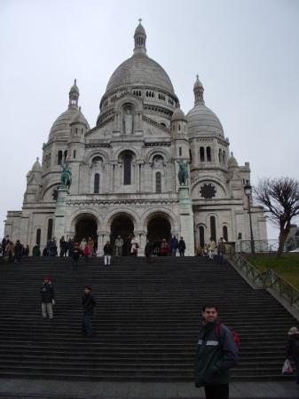 ซาเคร็ดฮาร์ทบาซิลิกาแฟมอนมารทร์: El sagrado Corazón de Jesús, será verdad que está enterrado ahí Jesús? Paris.