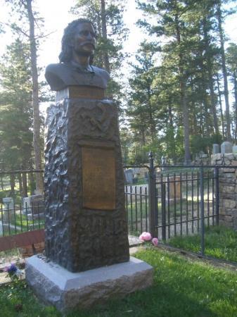 เดดวูด, เซาท์ดาโคตา: Wild Bill Hickok's grave