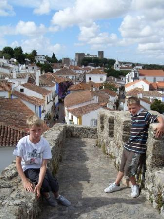 Obidos, โปรตุเกส: The boys