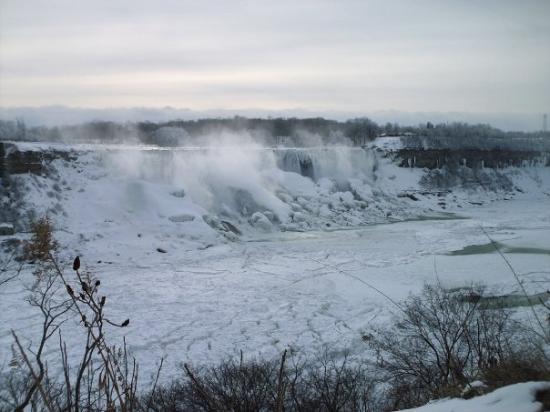 ไนแอการาออนเดอะเลก, แคนาดา: Niagara Falls