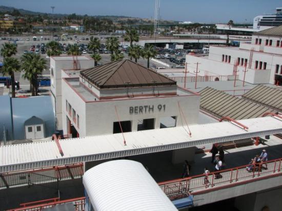 ลองบีช, แคลิฟอร์เนีย: Leaving Long Beach California