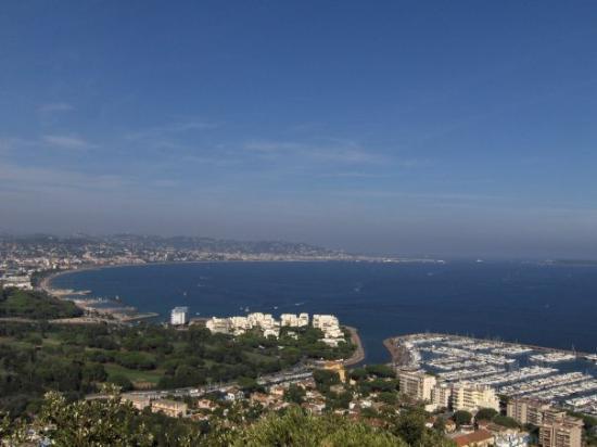 Mandelieu-la-Napoule, ฝรั่งเศส: vue sur Mandelieu et Cannes