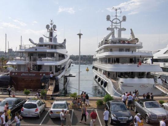 Le Quai Des Milliardaires  U00e0 Antibes