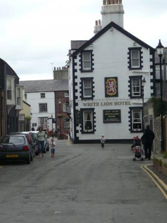 White Lion Hotel, Beaumaris