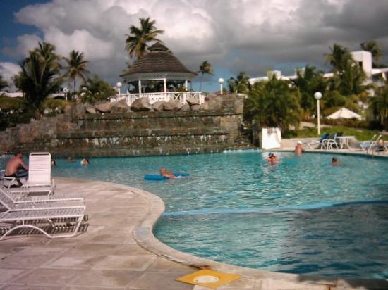 แอนติกา: The pool