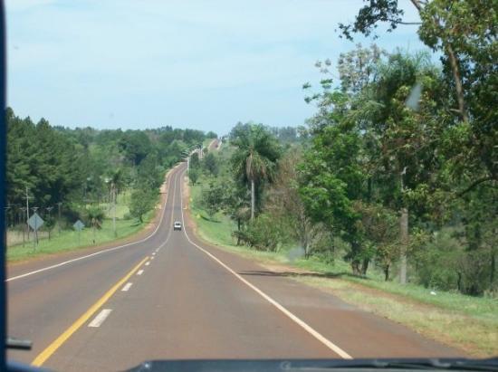 Posadas, Argentina: Ruta 12 hacia Cataratas