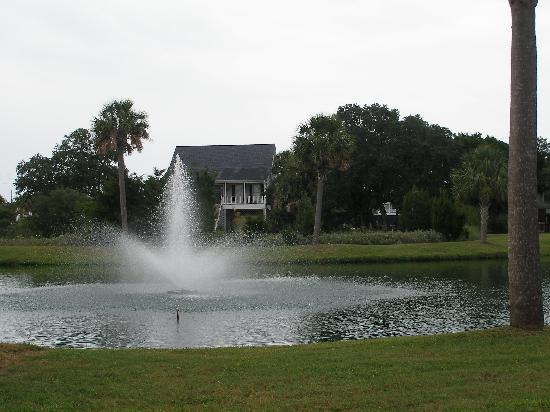Wyndham Ocean Ridge: View from the parking lot