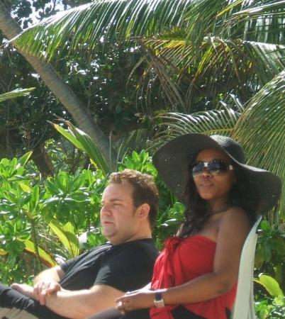 เกาะมาเอ, เซเชลส์: Harry and I take in the afternoon sun