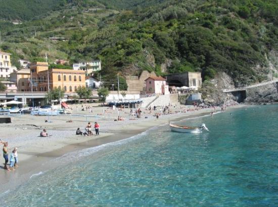 Monterosso al Mare (เมืองมอนเตรอสโซ อัล มาเร), อิตาลี: Monterosso, Cinque Terre, Italy (Oct 06).
