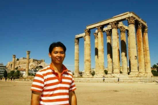 Temple of Olympian Zeus: Zeus Temple, Athens, Greece