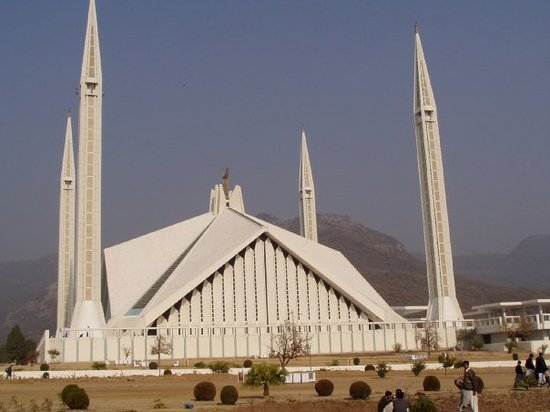 ‪اسلام أباد, باكستان: Shah Faisal Mosque in Islamabad (The US government was suspicious about the 4 pillars as they be‬