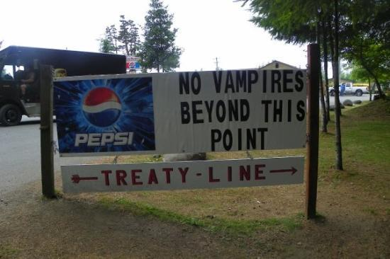 Quileute Indian Reservation : Treaty line at La Push