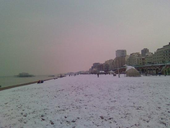 Brighton Beach: La platja nevada.