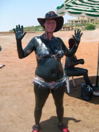 มาดาบา, จอร์แดน: Dead sea mud and me.