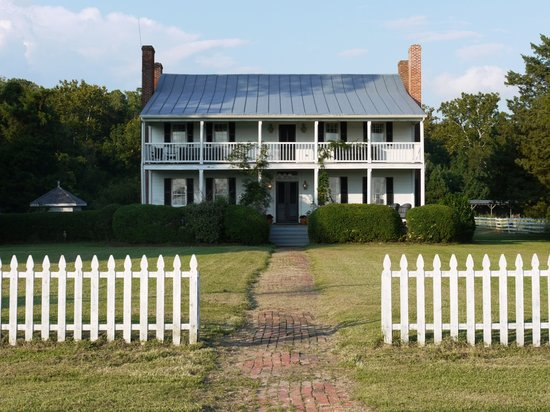 1812 on the Perquimans: Exterior