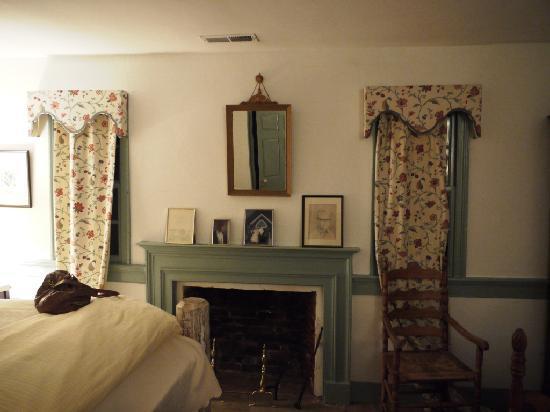 1812 on the Perquimans: Bedroom