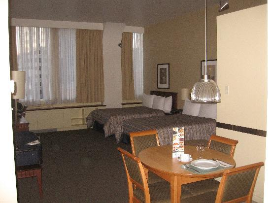 Le Square Phillips Hotel & Suites: my room