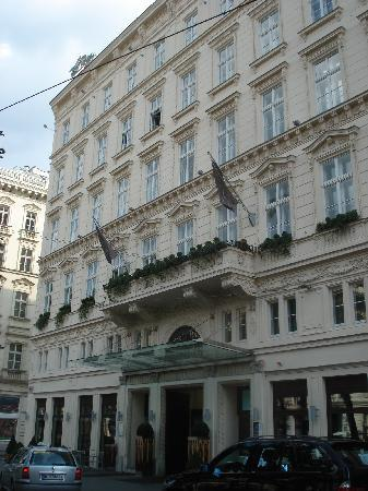 The Ring, Vienna's Casual Luxury Hotel: Front of The Ring - our room was the round window over entrance